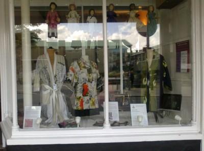 shamanic nights robes exhibition costume dress3