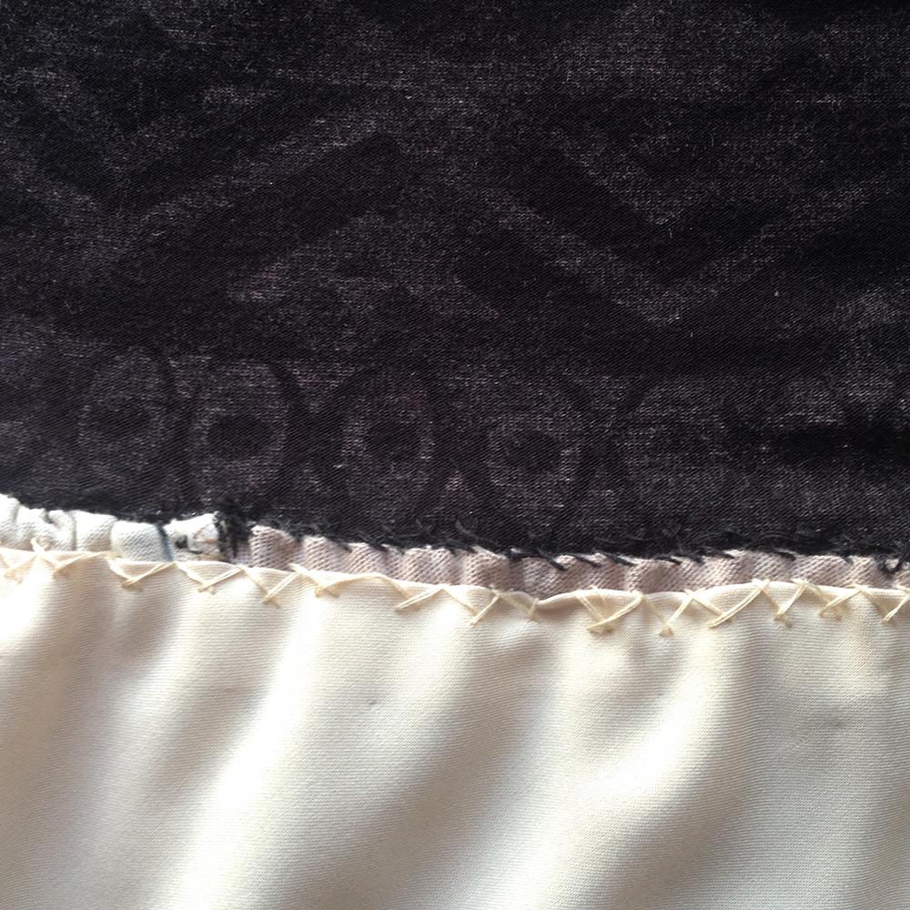 bandeau-hand-sewn-stretch-stitch-inside-bandeauside