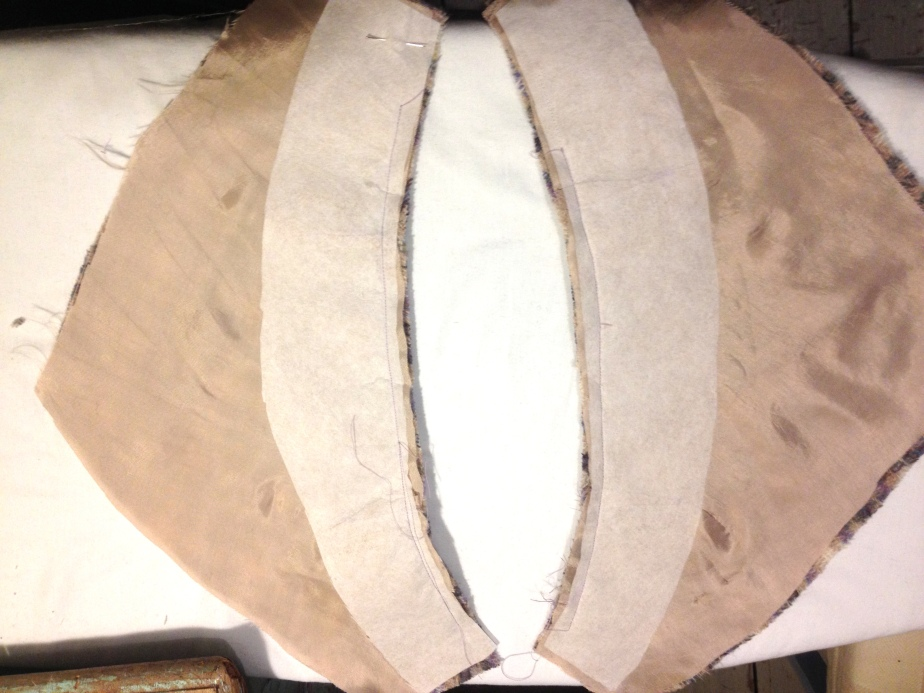 e-machine-lining-to-wool-cummerbund-leave-sides-open-for-seaming